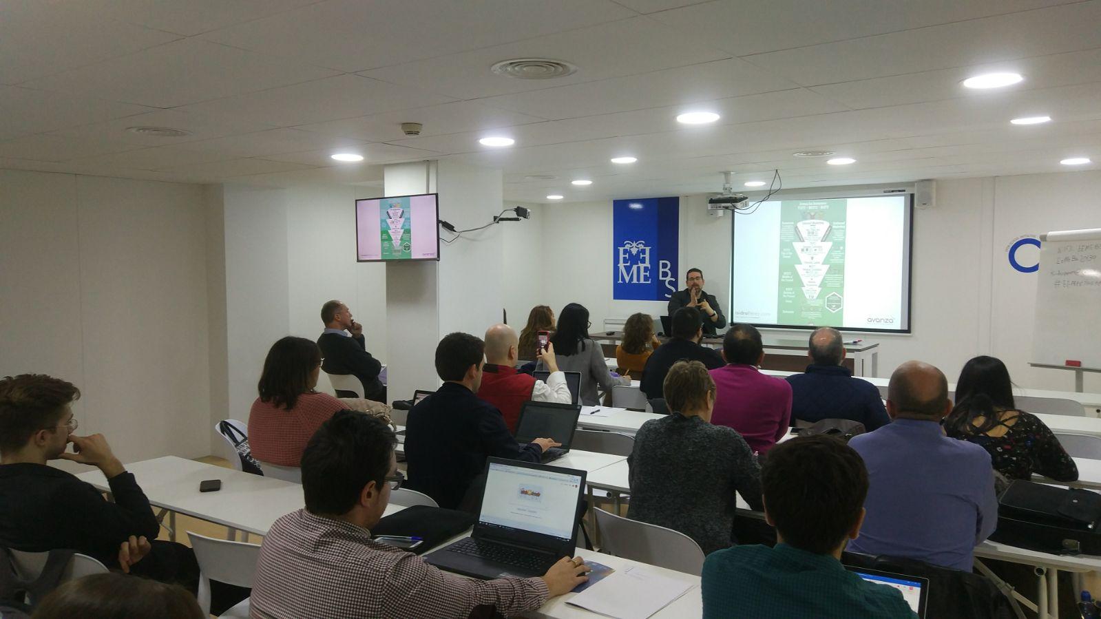 Isidro Pérez durante su intervención en los talleres del EEMEETING 2018